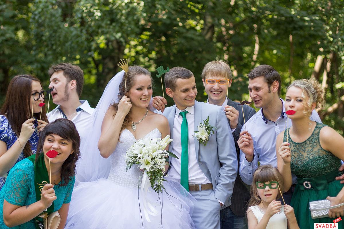 Как одеться на свадьбу гостям - правила выбора одежды для 18