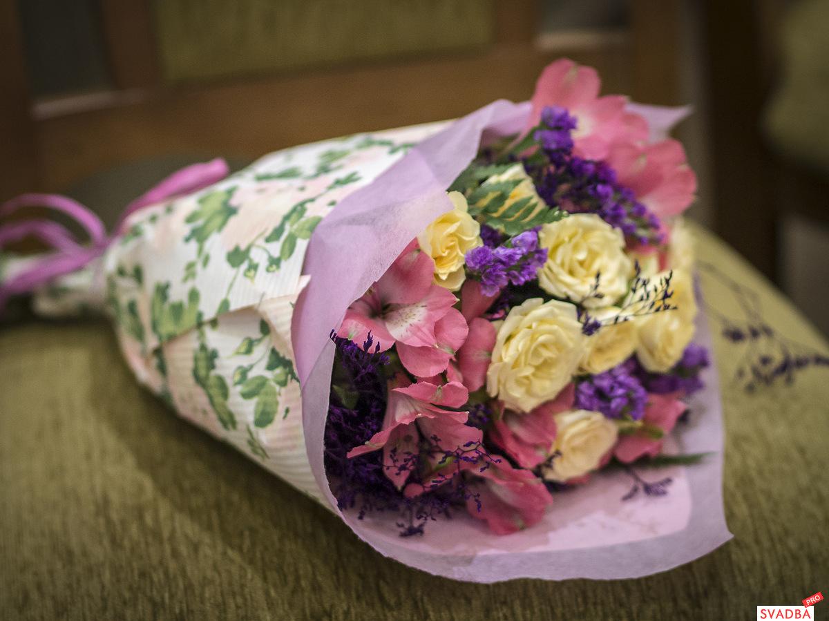 Какие цветы дарить молодоженам фото