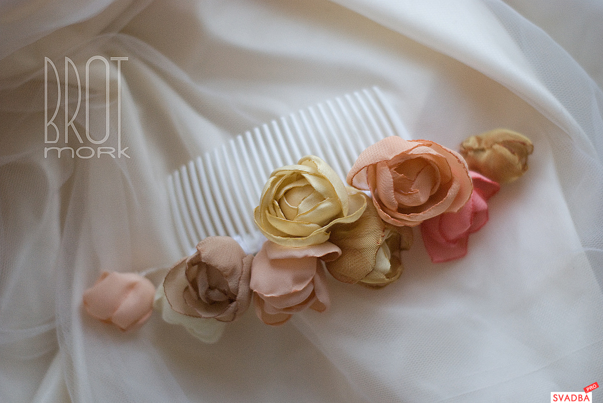 Гребешки своими руками из цветов 79