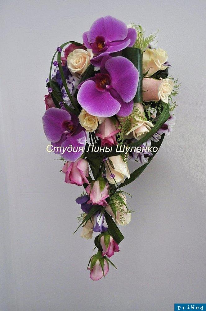 Свадьба. Ниспадающие свадебные букеты из орхидей.Студия Лины
