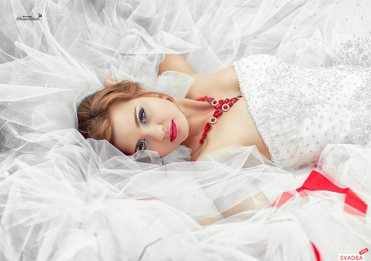 Фото невест в колготках, Голые невесты фото - обнаженные девушки на свадьбе 13 фотография
