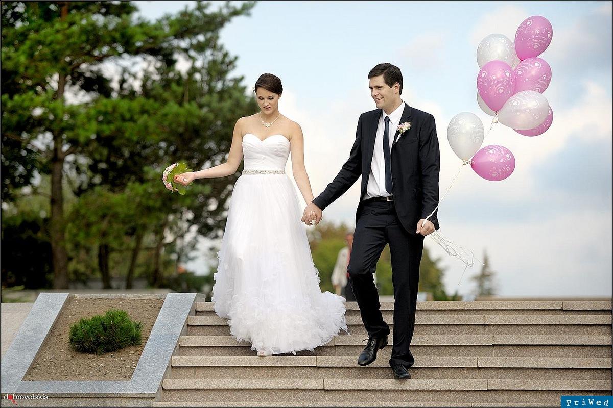 На свадьбе невеста