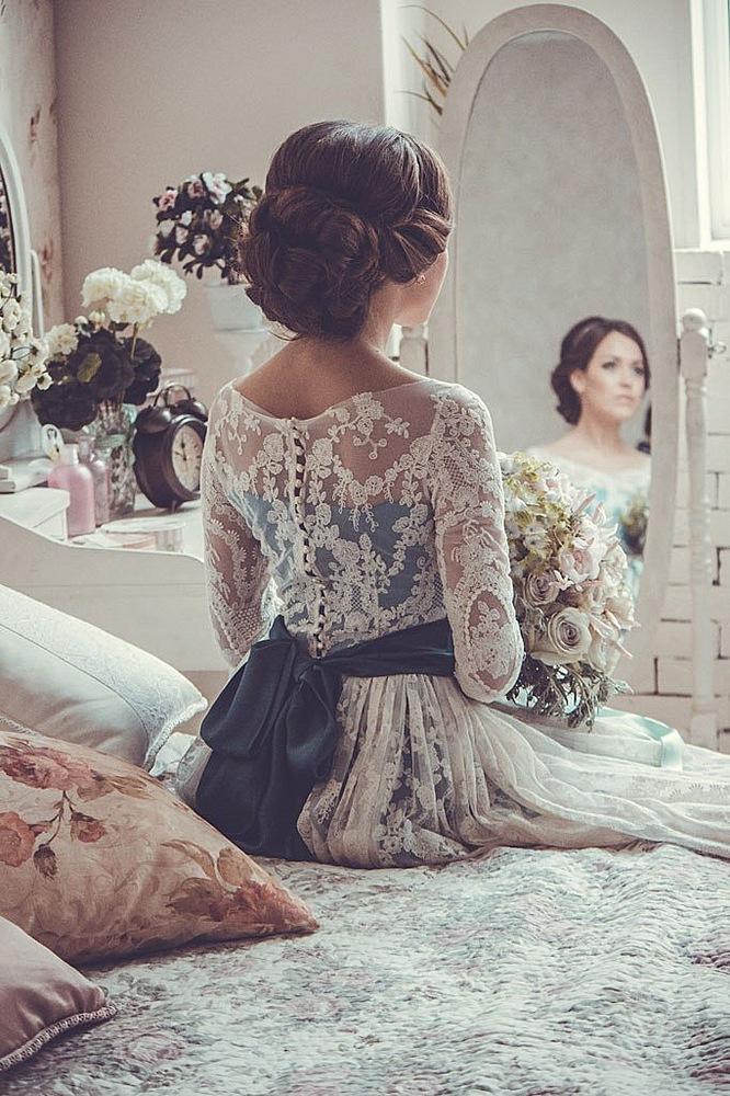 Прическа под платье на свадьбу