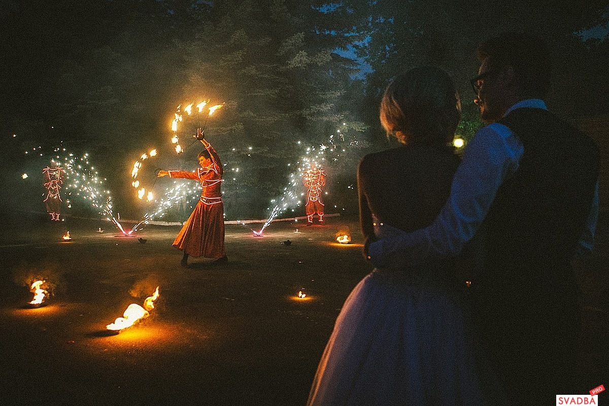 Фаер шоу на свадьбу фото