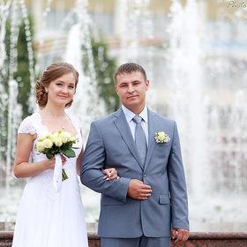 Фотографии на прогулке в день свадьбы